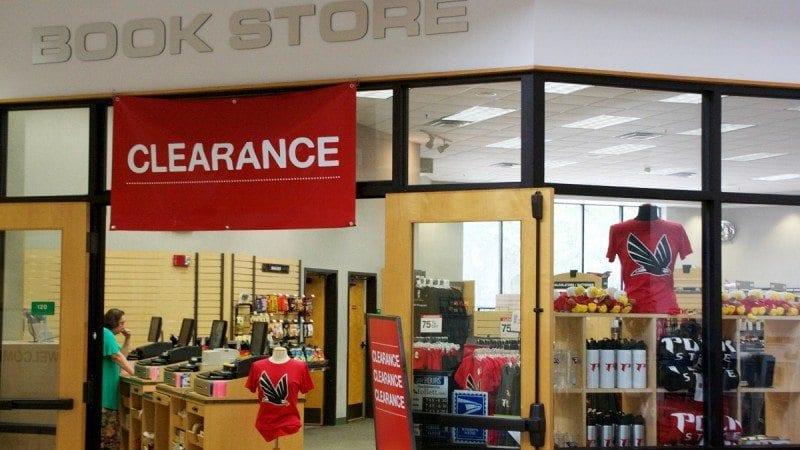 bookstore_clearance_news_art_1200x675